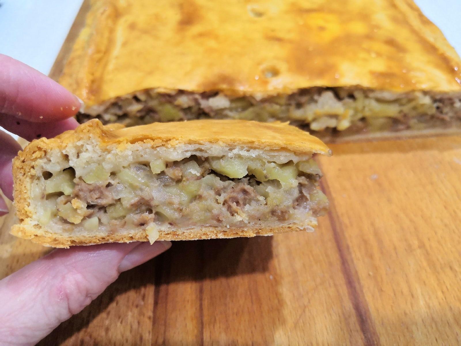 Мясной пирог с картофелем _6uzJMI51Zo