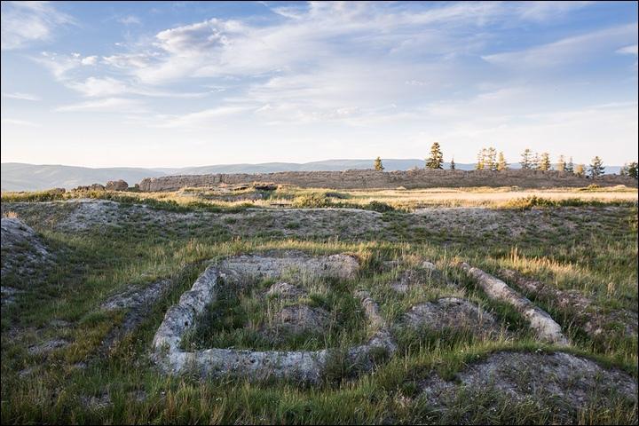 Тайна древней крепости Пор-Бажын, построенной на острове в сибирском озере, изображение №20