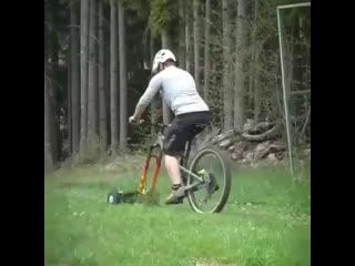 Идея для тех кто любит велотранспорт  Косилка для тех, кто любит делать несколько дел одновременно