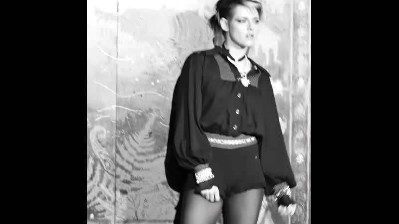 Kristen Stewart Chanel M tiers d Arts 2019 2020 Fashion Show in Paris