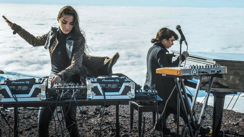 Giolì Assia DiesisLive @Etna Volcano Sicily FPV drone Electric Handpan Grand Piano
