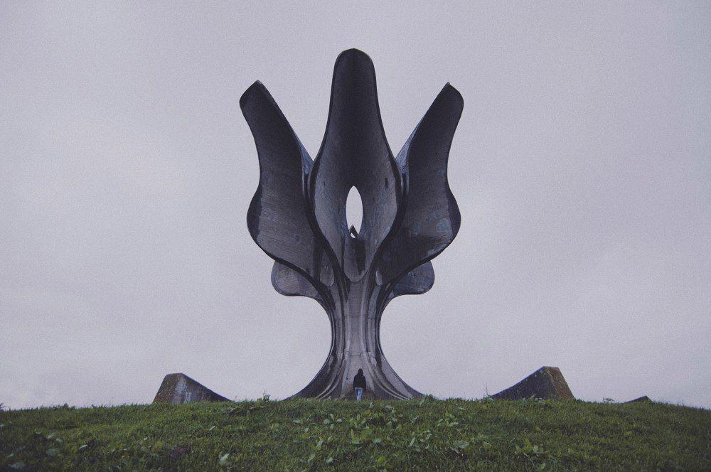 Заброшенные монументы советских времен на территории бывшей Югославии.