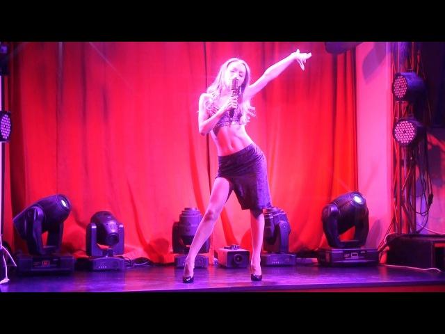 Viktoria Winer. Выступление в шоу-программе ресторана Одесса-мама