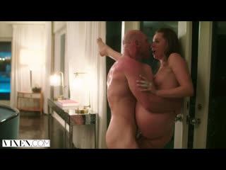Tori Black & Johnny Sins (Vixen)