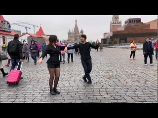 Девушка Танцует Очень Круто С Парнем 2020 Лезгинка На Красной Площади ALISHKA Lezginka Чеченская