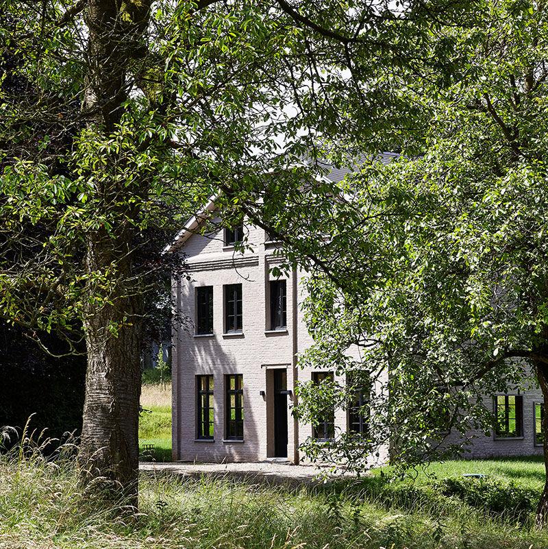 Когда великолепные старые дома получаю новую жизнь: работы бельгийского дизайнера Pieter Vandenhout || 01
