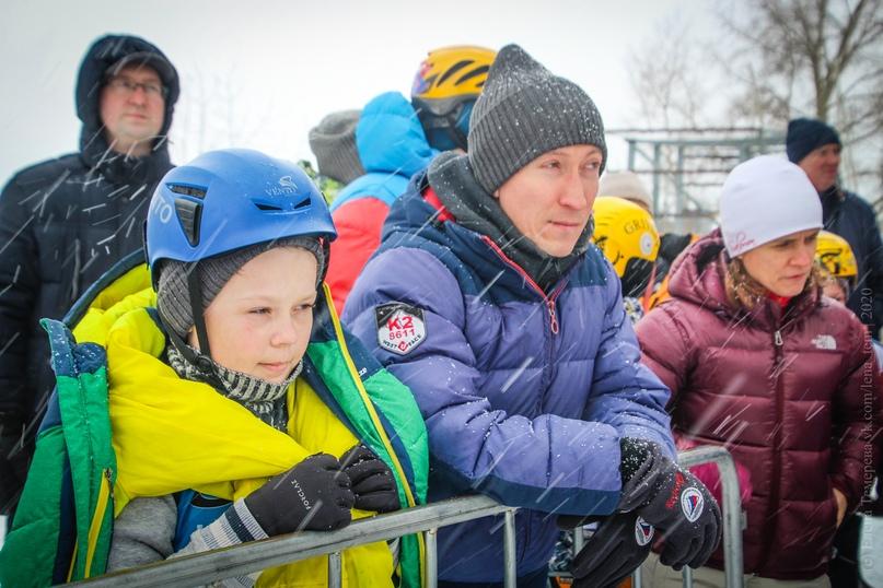 Главные отечественные ледолазные старты сезона финишировали в городе Кирове в минувшие выходные – чемпионат и первенство России по альпинизму. Всем было что доказывать и что терять…, изображение №118