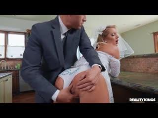 Candice Dare - раздвинул булки невесте и засадил по жести [порно, ебля, инцест, секс, porn, Milf, home, домашнее, минет, трах]
