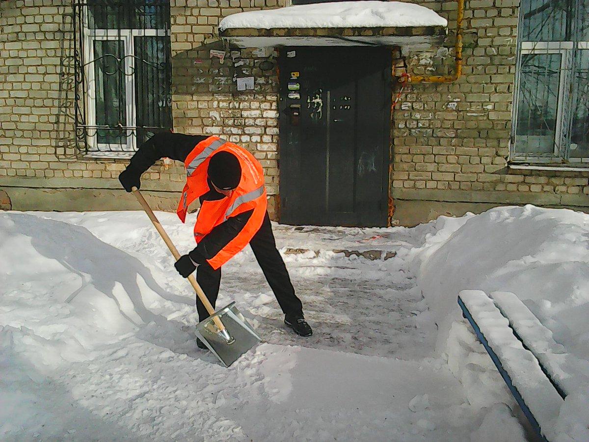 """На 10 курских """"управляек"""" составили протоколы за нерасчищенный снег"""