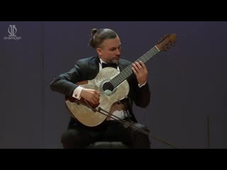 Artyem Dervoed plays La Campanella by Niccolo Paganini